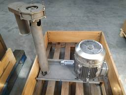 Submersible pump with no seal